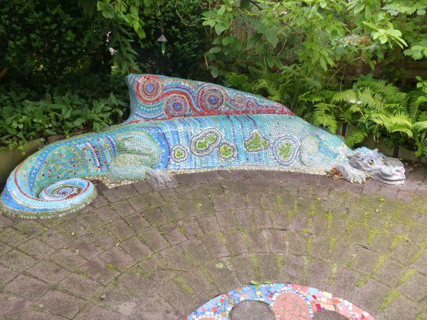 Mosaik Sitzbank Drache